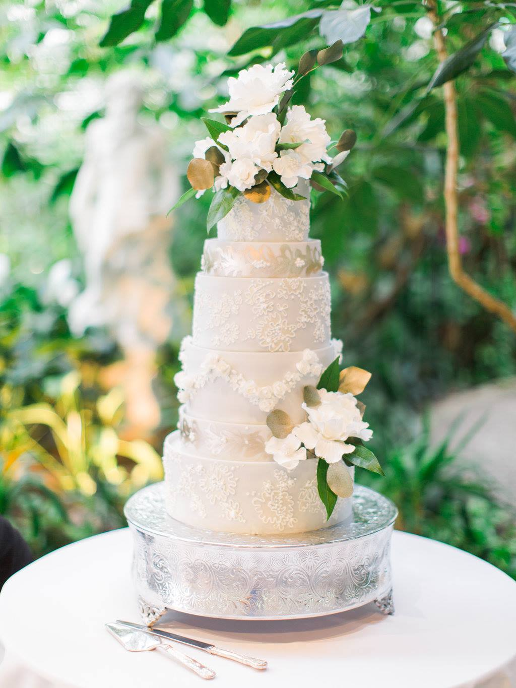 12 Things Your Wedding Cake Designer Wishes You Knew