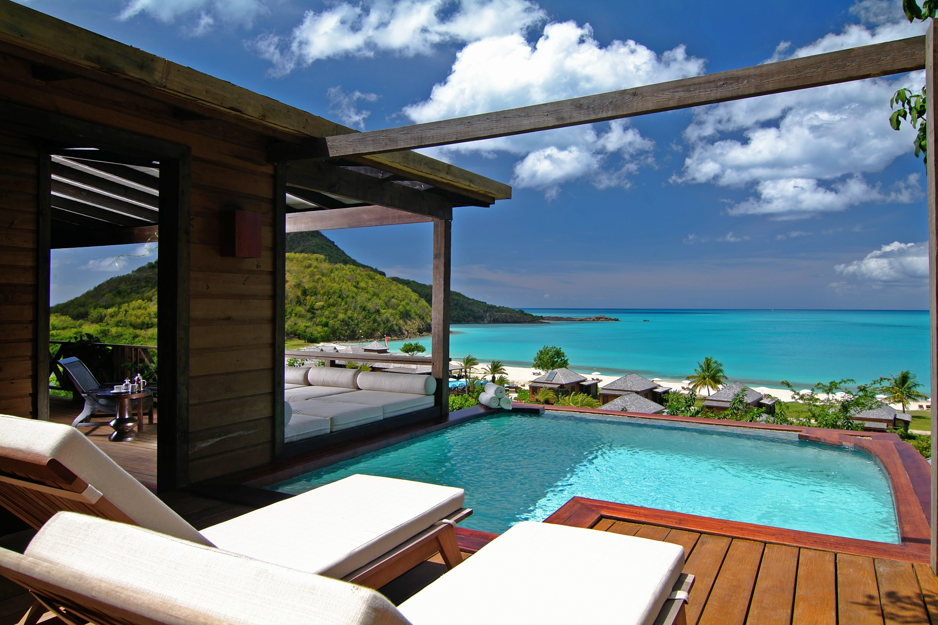 Hermitage Bay: A Luxurious Honeymoon Destination in Antigua